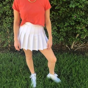 AMERICAN APPAREL white tennis skirt!